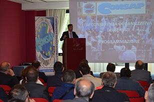 Foto intervento Innocenzi a Conferenza Organizzativa piccola